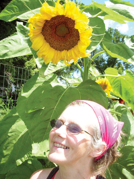 1Lisa and sunflower