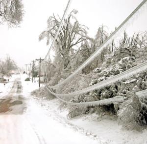 Ice on powerlines _MG_1026