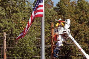 Linemen and flag IMG_0912