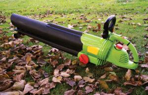 Leaves blower.