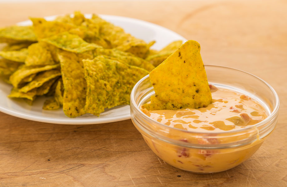 Queso dip with chips