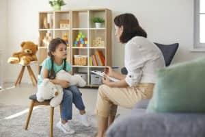 Child-Psychiatrist_376266952
